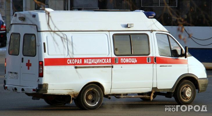 В центре Сыктывкара водитель фургона протаранил кроссовер из-за приступа эпилепсии