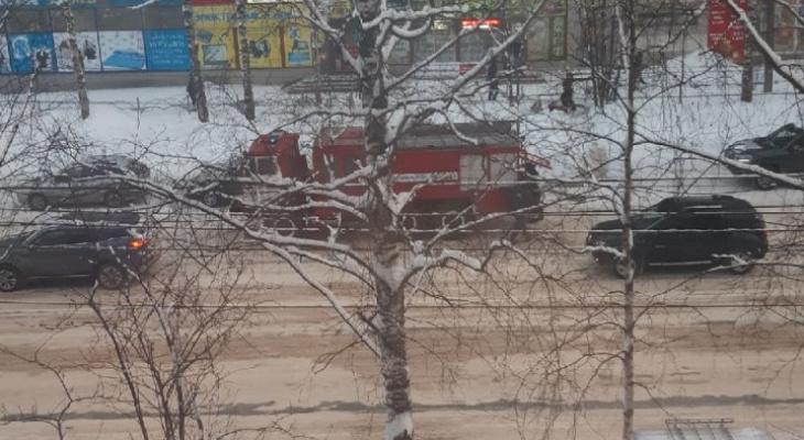 В Сыктывкаре оцепили здание гостиницы (фото)