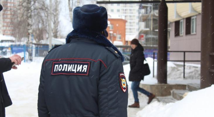 В Сыктывкаре вынесли приговор мужчине, который напал с железным прутом на полицейского