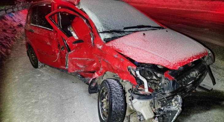 В Коми автомобиль Hyundai столкнулся с Kia, есть пострадавшие