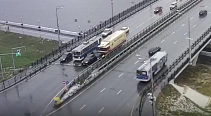 Водитель из Коми устроил массовое ДТП, за которое должен заплатить 812 тысяч рублей (видео)