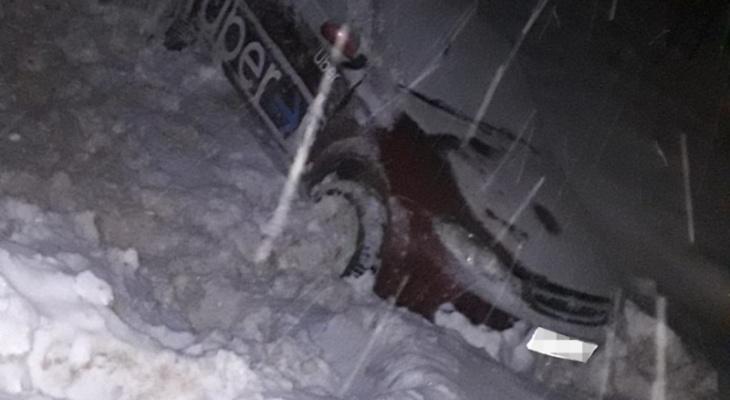 В Коми водитель иномарки вылетел в кювет, чтобы не сбивать человека