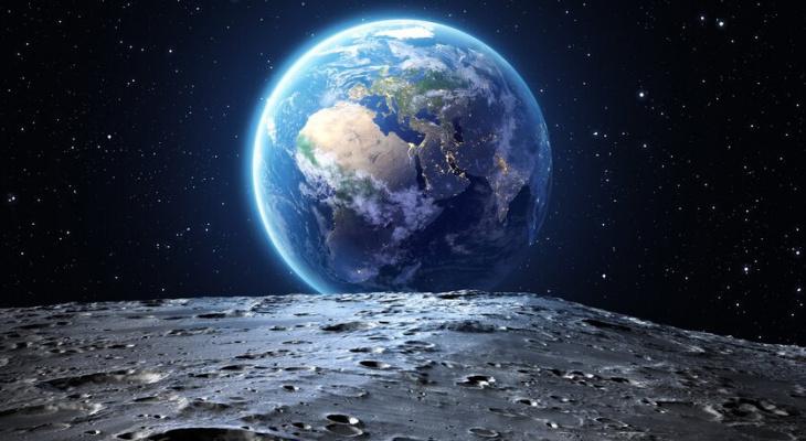 «Роскосмос» предложил готовить людей к полету на Луну