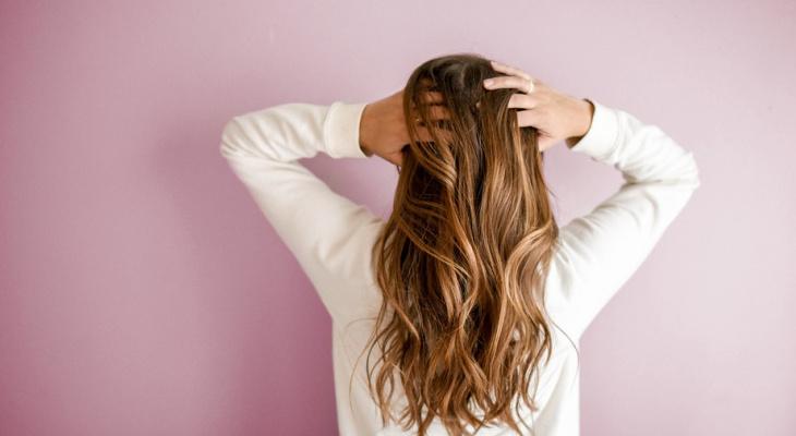 Названы 5 главных ошибок, которые задерживают рост волос