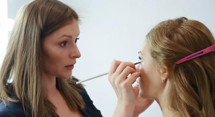 Могут ли девушки полностью отказаться от косметики: «Авторская колонка» с сыктывкарским визажистом Оксаной Апанасевич
