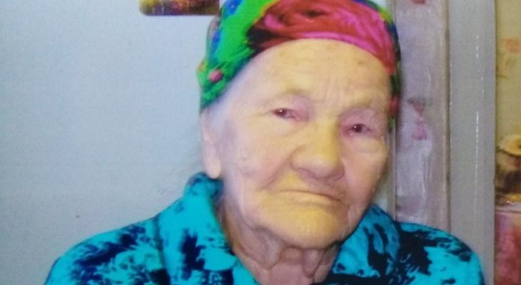 «Никогда не стойте, если можно двигаться»: 98-летняя жительница Коми поделилась секретом долголетия