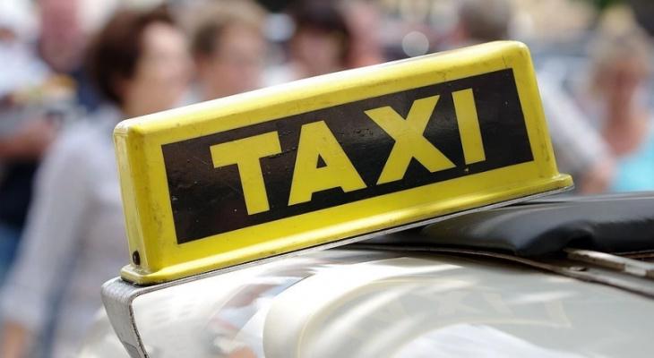 В России предлагают запретить судимым за тяжкие преступления работу в такси