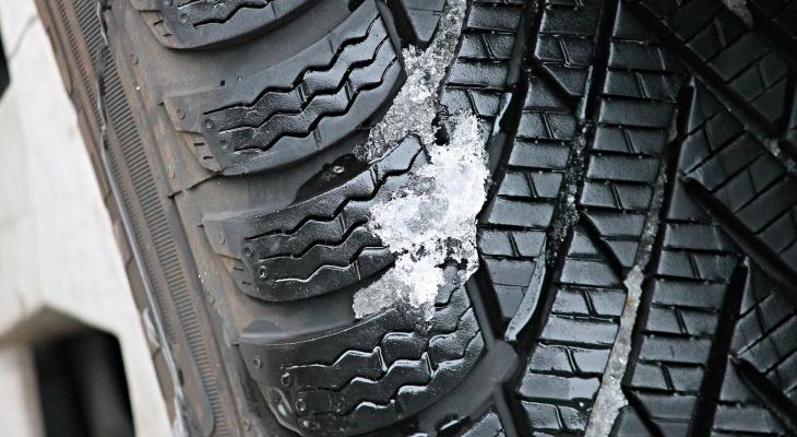 Названа главная опасность при замене зимней резины на летнюю