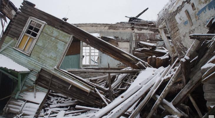 Печально известную школу №13 в Сыктывкаре сравняют с землей