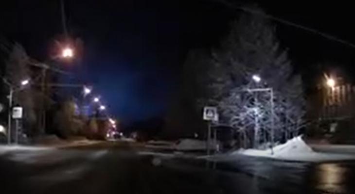 Загадочные вспышки в небе Печоры напугали жителей города