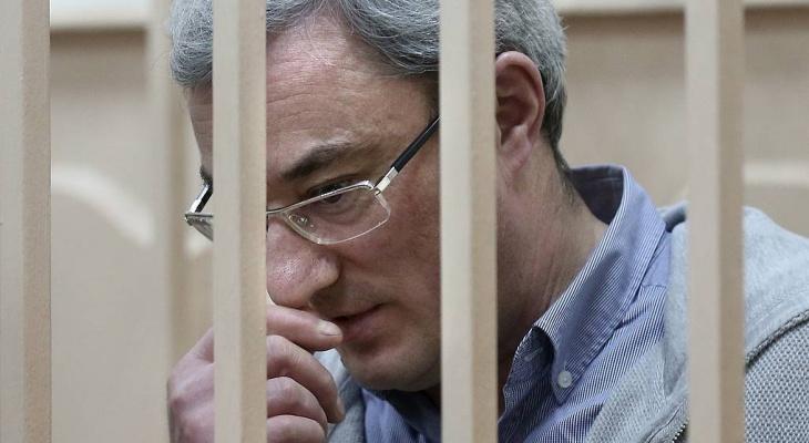 Вячеслав Гайзер намерен бороться до конца: в суде оглашают приговор экс-главе Коми