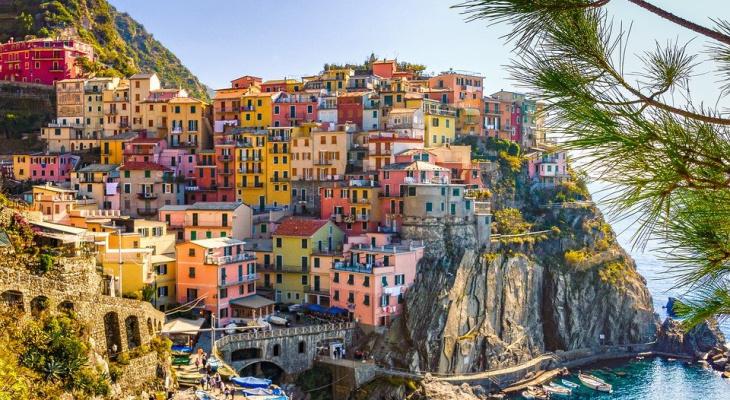Италия может начать принимать туристов из России этим летом