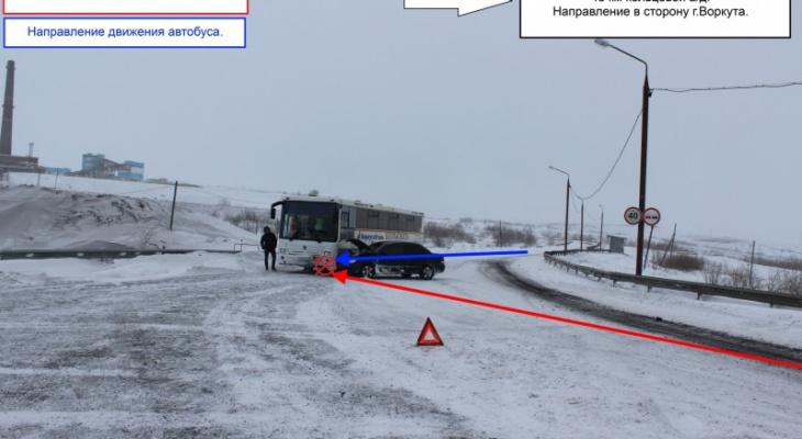 В Коми «Лансер» протаранил автобус, пострадал человек