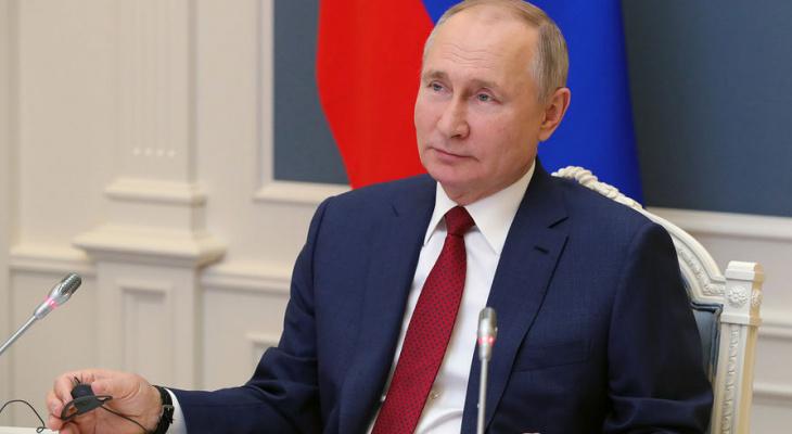 Владимир Путин согласился сделать нерабочими дни между майскими праздниками