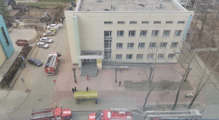 В Сыктывкаре эвакуировали ковидный центр