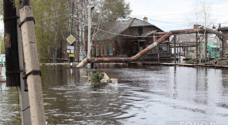 Смытые дороги и затопленные дома: как паводки портили жизнь сыктывкарцев
