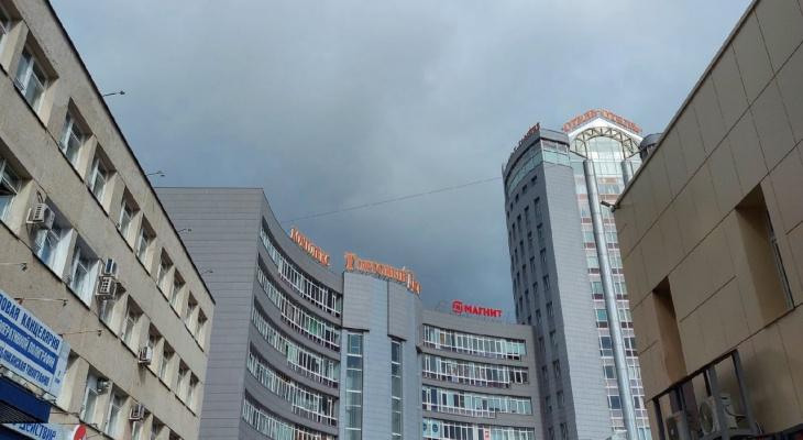 Сильный порывистый ветер: в Коми объявили штормовое предупреждение