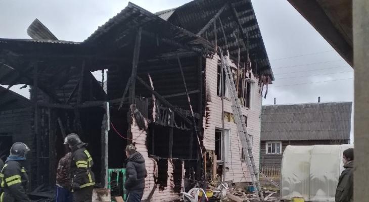 В Коми целая семья осталась на улице после разрушительного пожара