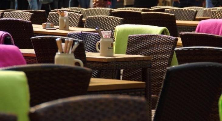 В Сыктывкаре разрешат размещать летние кафе на тротуарах