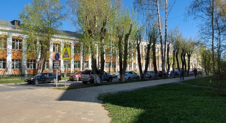Эксперимент: журналисты «Про Города» попытались проникнуть в сыктывкарские школы