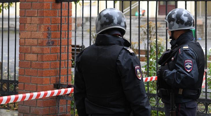 В Екатеринбурге неизвестный убил троих человек прямо на улице и попал под обстрел силовиков