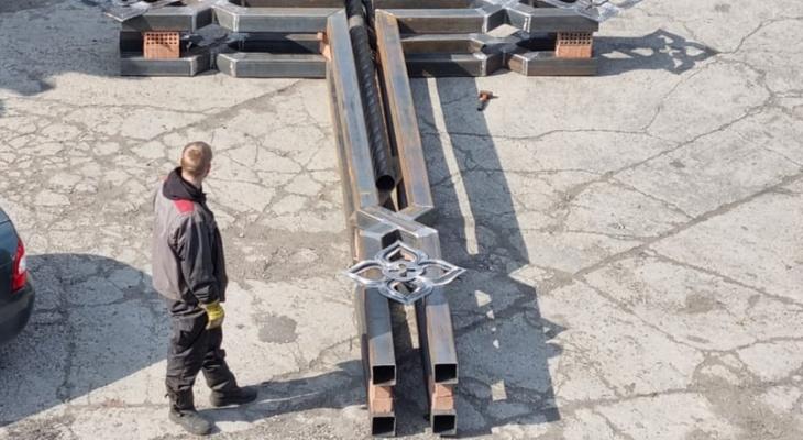 Под Сосногорском установят огромный металлический крест
