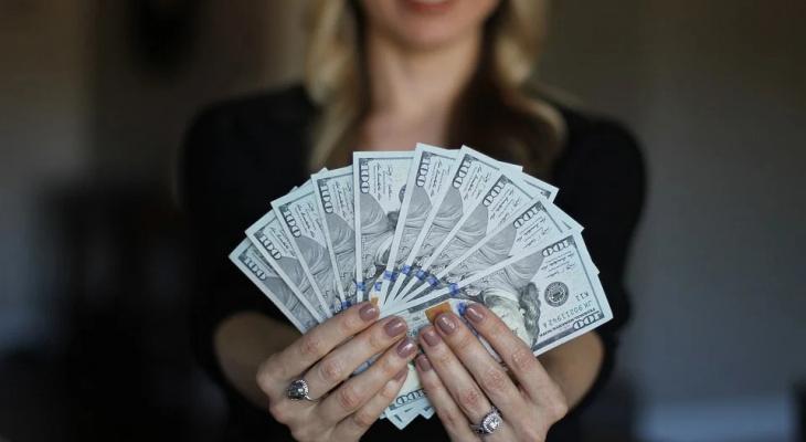 Умеют держать деньги в кармане: названы самые экономные знаки Зодиака