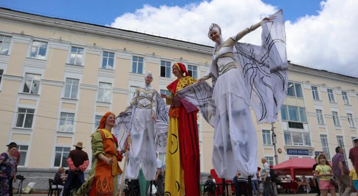 Фоторепортаж: как празднуют День города на Стефановской площади в Сыктывкаре