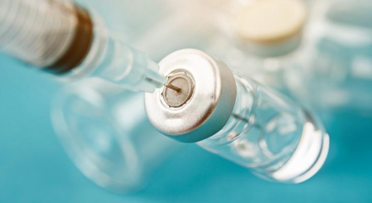 Роспотребнадзор рассказал, угрожает ли прививка от COVID-19 бесплодием