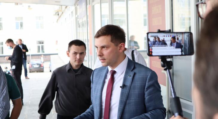 Сыктывкарский суд обязал телеканал и депутата удалить видео о клевете на Олега Михайлова