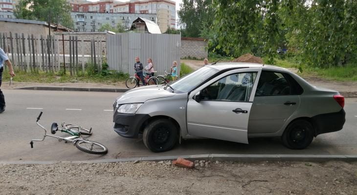 В Сыктывкаре под колеса авто попал 10-летний велосипедист