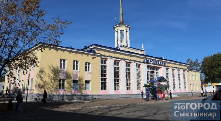 В Сыктывкаре продлили работу пункта вакцинации на вокзале