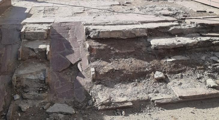 В Сыктывкаре наконец отремонтируют лестницу у Министерства культуры
