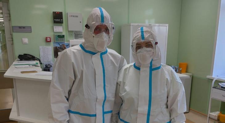 «Одеваемся, как космонавты»: ухтинские врачи рассказали о работе в «красной зоне»