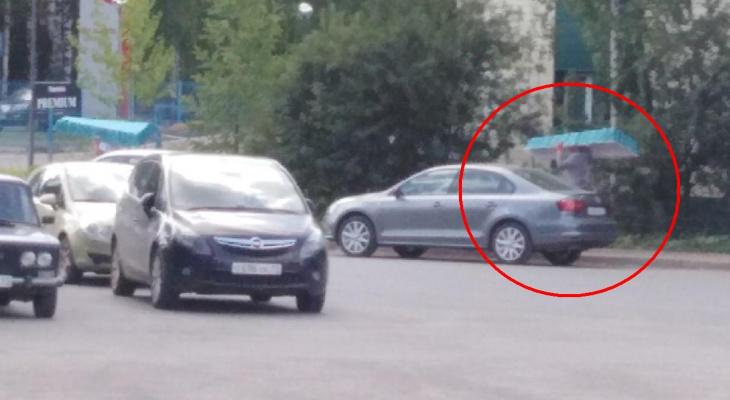 «Экономят на транспорте»: гробы в сыктывкарский морг носят прямо по улицам