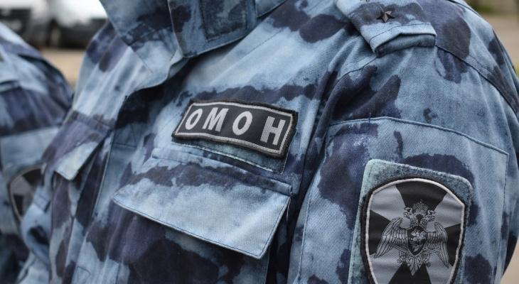 В Коми ОМОНовцы задержали мужчину, который запустил квадрокоптер