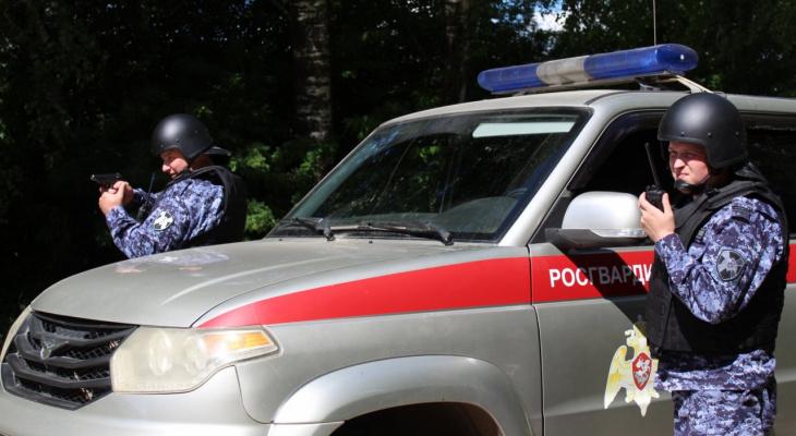 Сыктывкарская Росгвардия задержала мужчину, который буянил в религиозном учреждении