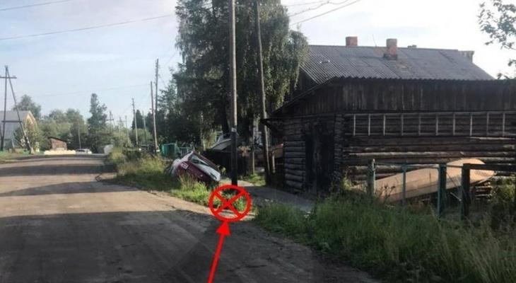 В Коми 17-летний на Renault парень катал подругу и улетел в кювет