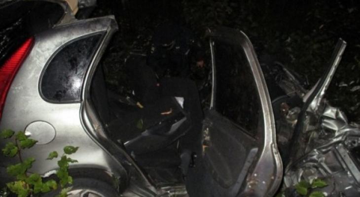 В жестком ДТП на трассе в Коми погиб человек, двое серьезно пострадали